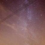 A travers les nuages fins, la Voie Lactée se dessine tout de même. 30sec 8000iso+ Photoshop